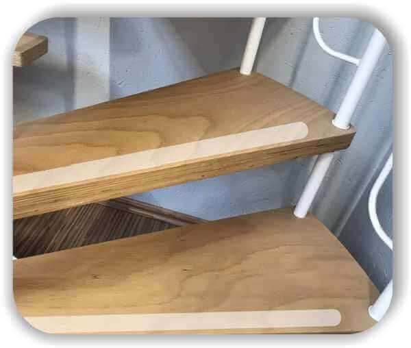 Anti-Rutsch Folie - 18 Streifen a 70x4 cm für Treppenstufen