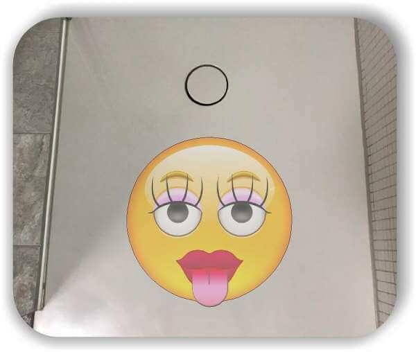 Anti-Rutsch Folie mit Digitaldruck - Strichgesicht - Mädchen mit Zunge raus