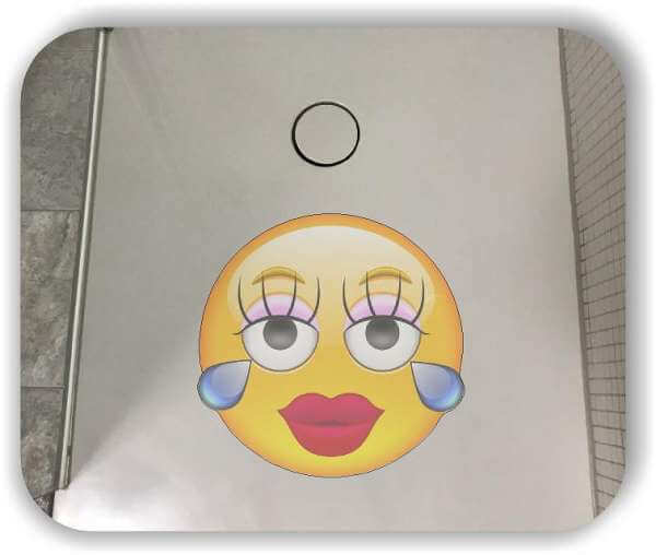 Anti-Rutsch Folie mit Digitaldruck - Strichgesicht - Weinendes Mädchen